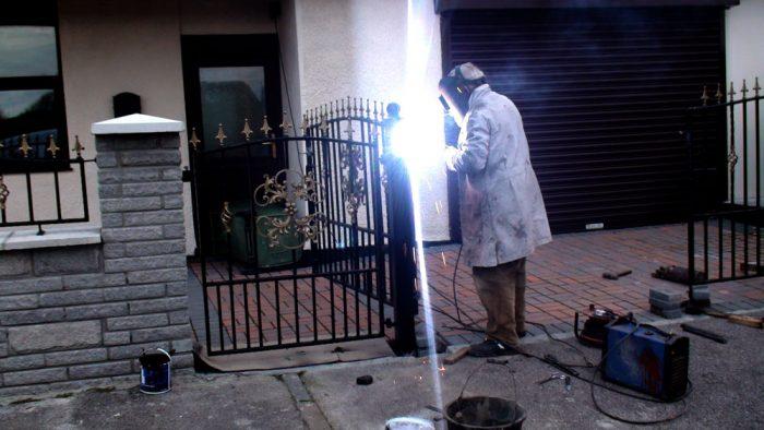 Installation-Driveway-Gates-Pontypridd-Wrought-Iron-3-1000px