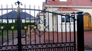 Double-Gates-Drive-Way-Pontypridd-Wrought-Iron-13