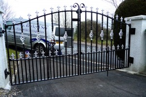 Double-Gates-Drive-Way-Pontypridd-Wrought-Iron-14