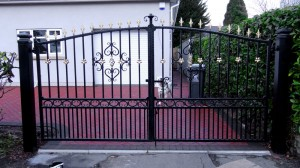 Double-Gates-Drive-Way-Pontypridd-Wrought-Iron-9