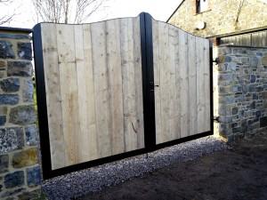 Double-Gates-Wood-and-Iron-Drive-Way-Pontypridd-Wrought-Iron-15