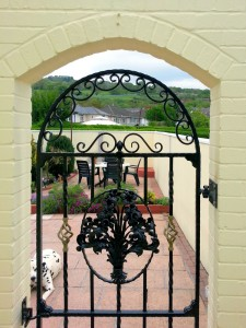 Single-Arched-Iron-Gate-Pontypridd-Wrought-Iron-6