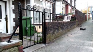 Single-Gate-and------Pontypridd-Wrought-Iron-2