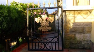 Single-gate-welsh-rugby-brass-iron-railings-South-Wales-Wrought-Iron-3 1000px