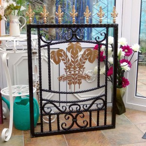 Welsh-Rugby-Brass-Plate-Custom-Ironwork-Pontypridd-Wrought-Iron-display-3 900px