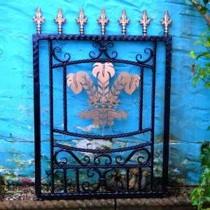 Welsh-Rugby-Brass-Plate-Custom-Ironwork-Pontypridd-Wrought-Iron-garden-3 900px