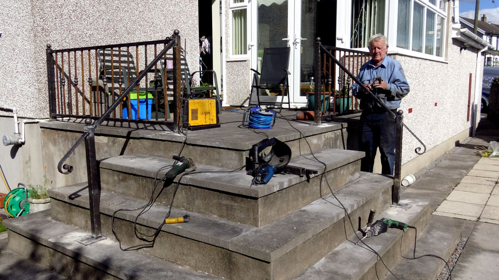 Installation-Stair-Railings-Wales-Wrought-Iron-3-1000px