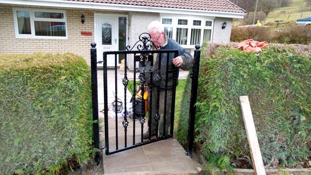 Welsh-Custom-Garden-Gate-Pontypridd-Wrought-Iron-1000px
