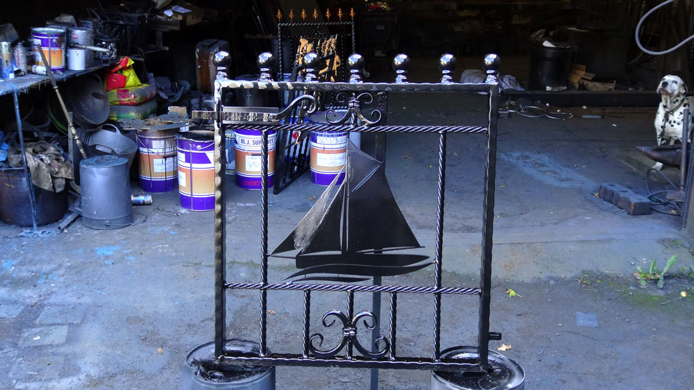 Welsh-Custom-Ironwork-Rail-Section-Yacht--1000px