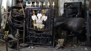 Single-custom-iron-gate-brass-welsh-rugby-design-Pontypridd-Wrought-Iron-4 1000px