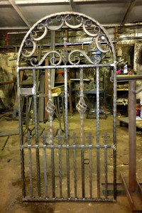 Welsh-Custom-Ironwork-Arched-Gate-Large-1000px